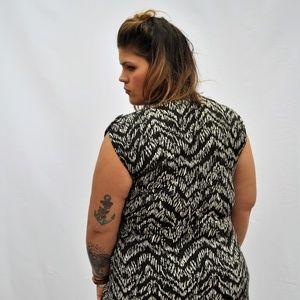 PLUS SIZE - Mini Dress